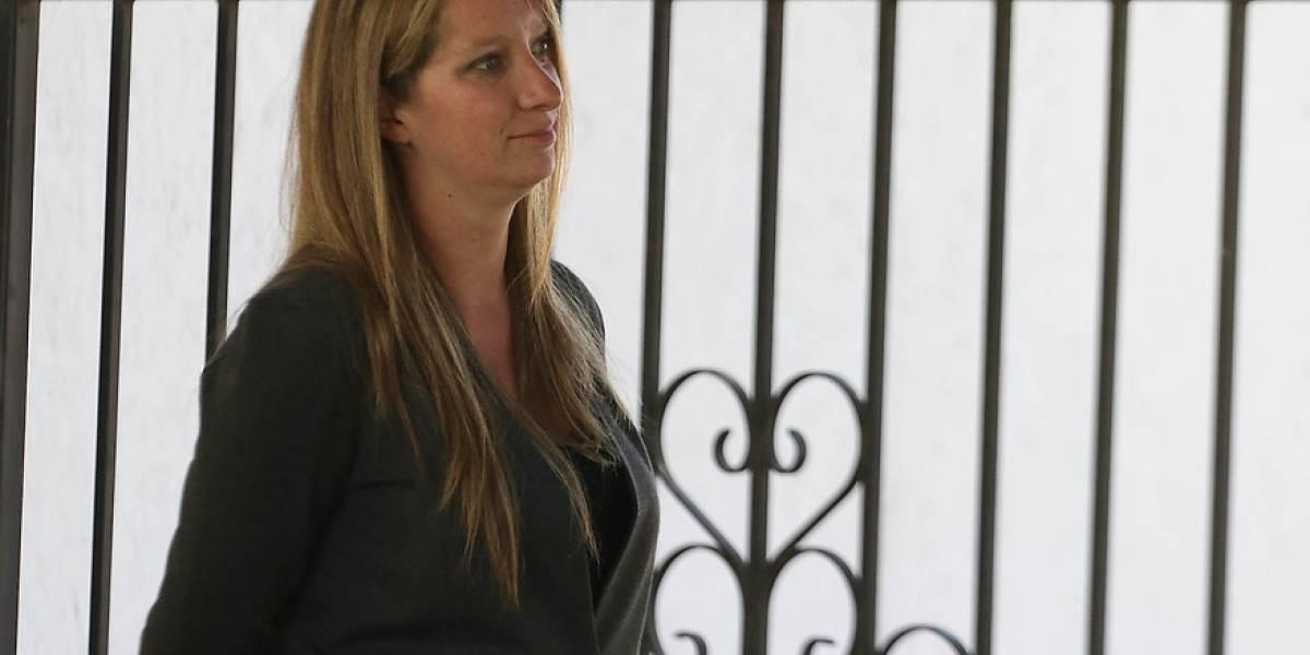 """La emoción de Natalia Compagnon tras sobreseimiento de Dávalos por Caval: """"Es lo que Sebastián se merece, ni más ni menos"""""""