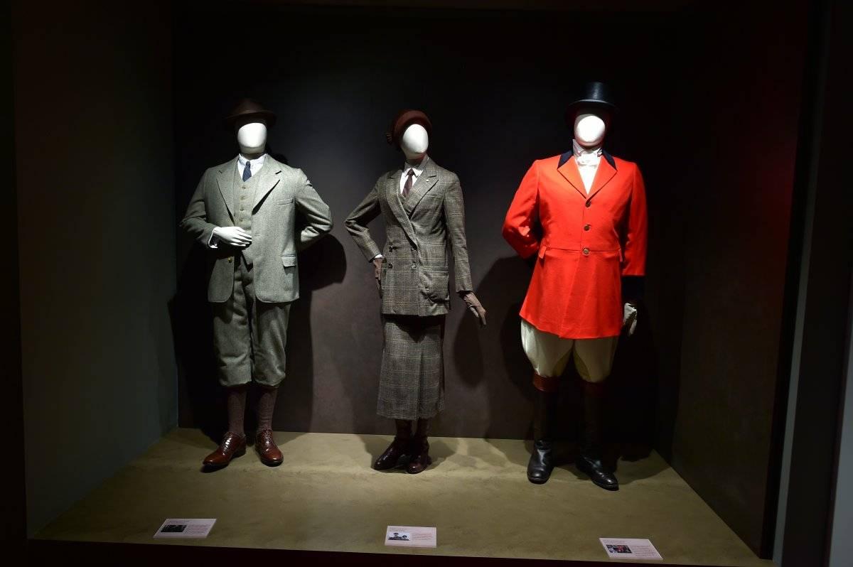 Cada vestido refleja una ocasión de uso, propia de la aristocracia inglesa de comienzos de siglo XX.