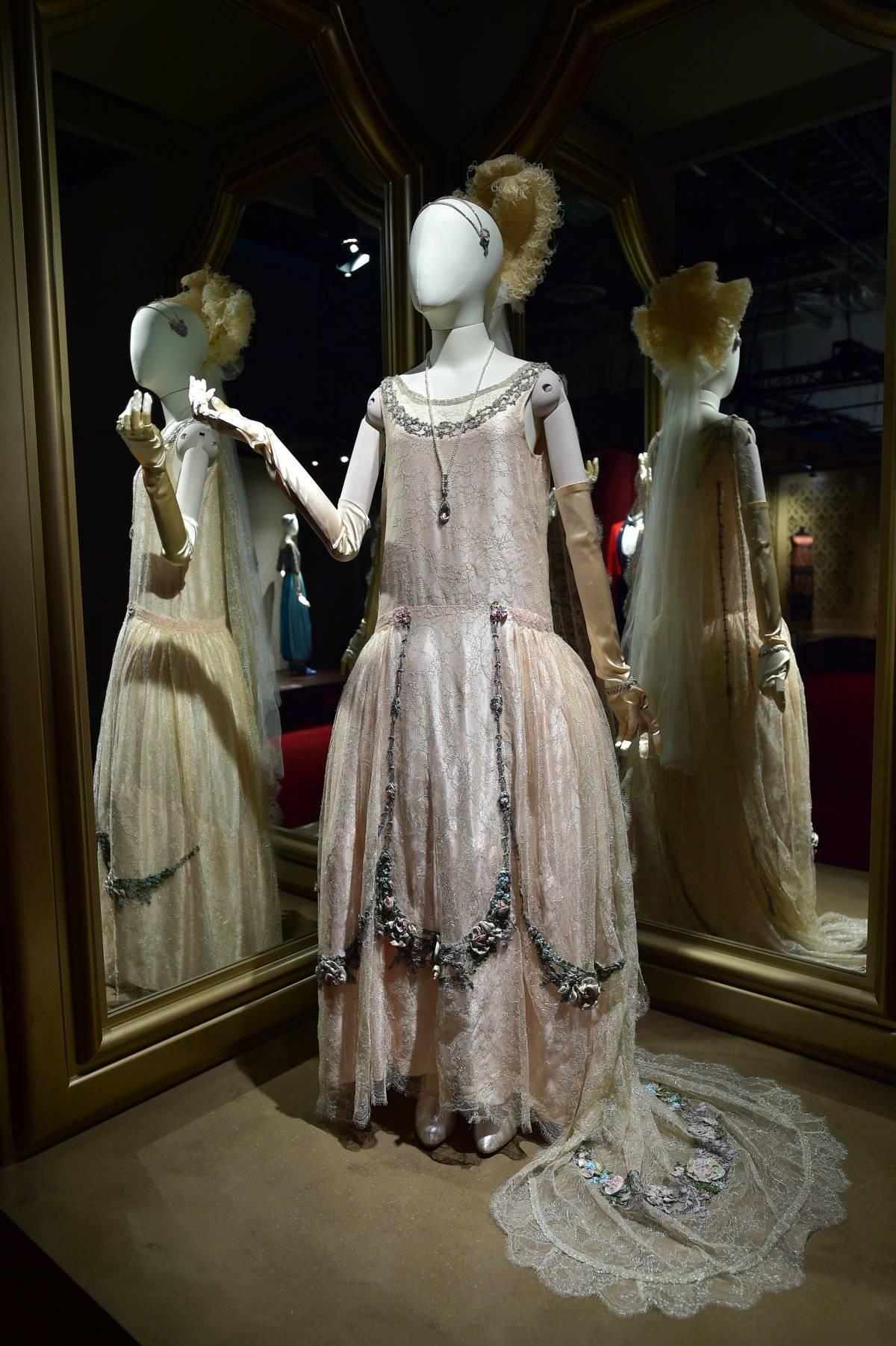 Este es el vestido del debut de Lady Rose ante el rey Jorge V.
