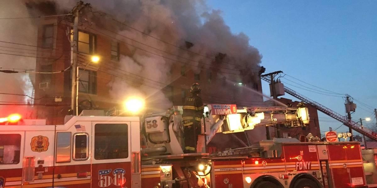 Incendio en edificio de ciudad de Nueva York deja al menos 8 heridos