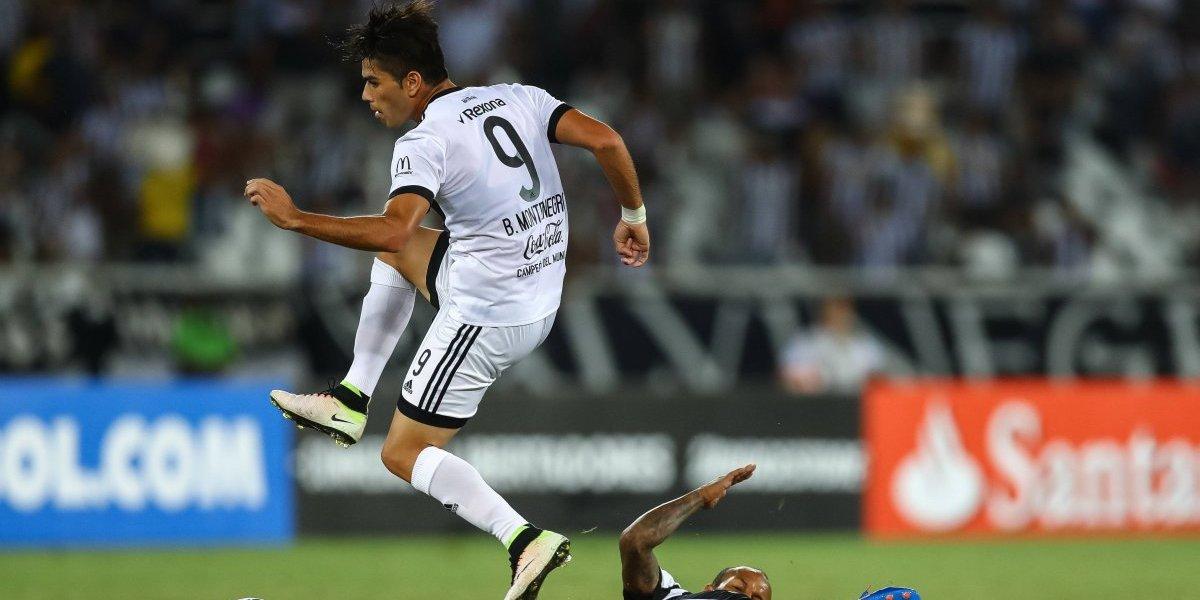Plan B y C: Colo Colo se desespera por un goleador y suenan fuerte dos ex seleccionados paraguayos