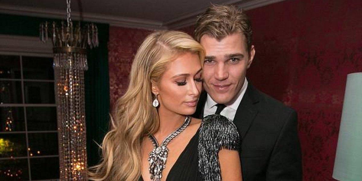 Paris Hilton se compromete con su novio y el anillo dejó en shock a los fans