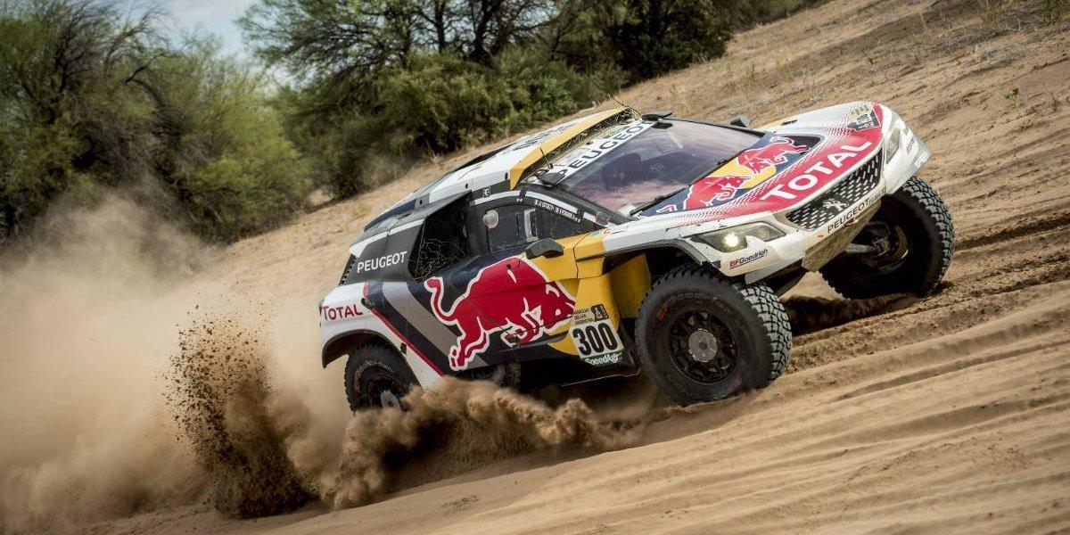 Peugeot afronta como favorito su último Dakar