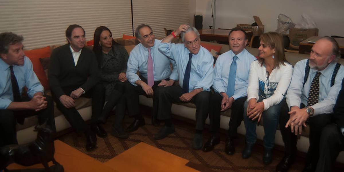 Andrés Chadwick lidera la nómina de potenciales ministros que entregará Chile Vamos a Piñera