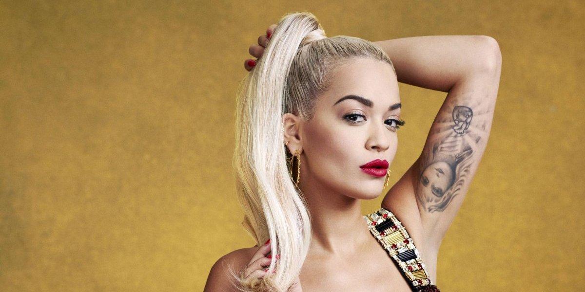 Rita Ora le dio la bienvenida al 2018 con una foto totalmente desnuda