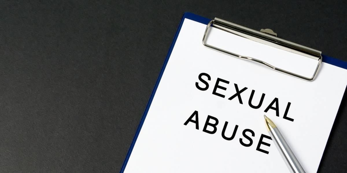 Vice suspende a dos ejecutivos por reportes de acoso sexual