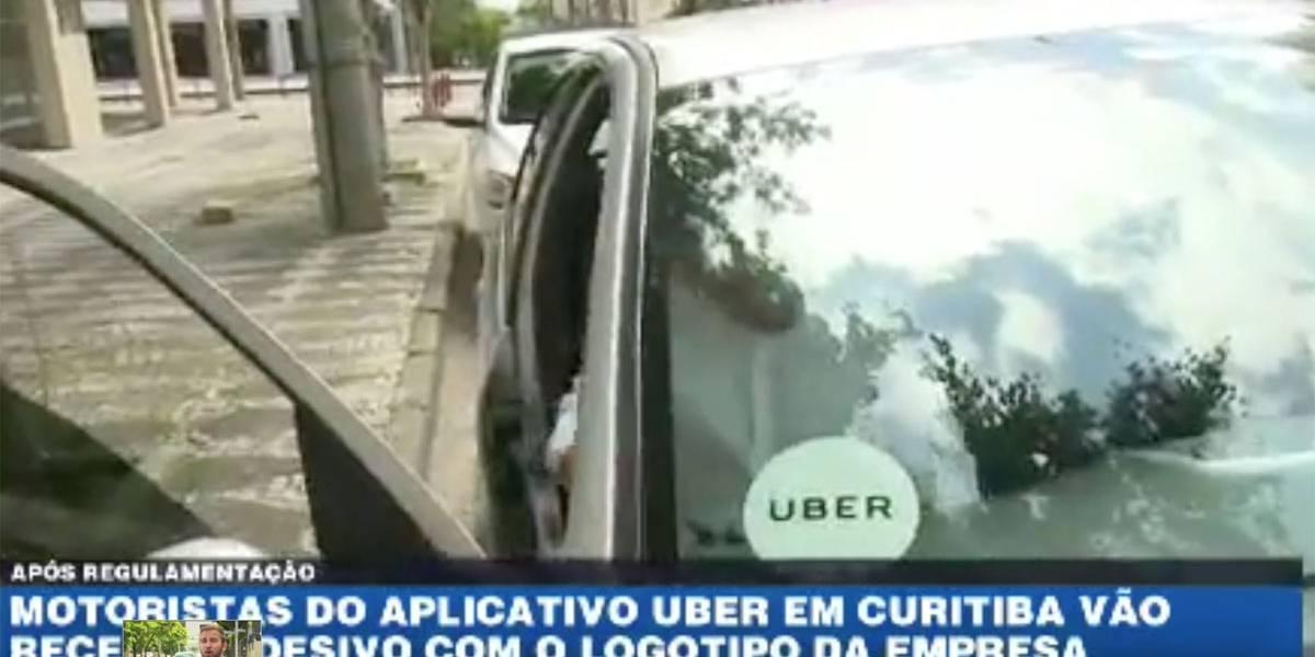 Motoristas do Uber em Curitiba vão receber adesivo com o logo da empresa