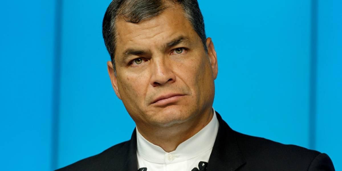 Periodista dice a Rafael Correa que tenía 'cara de idiota'