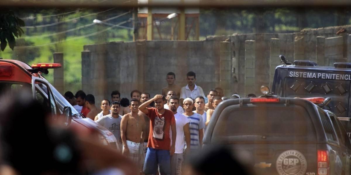 Brasil busca a 99 prófugos tras un motín en una cárcel donde hubo nueve muertos