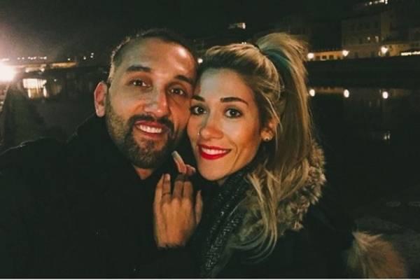 Hernán Barcos junto a su novia