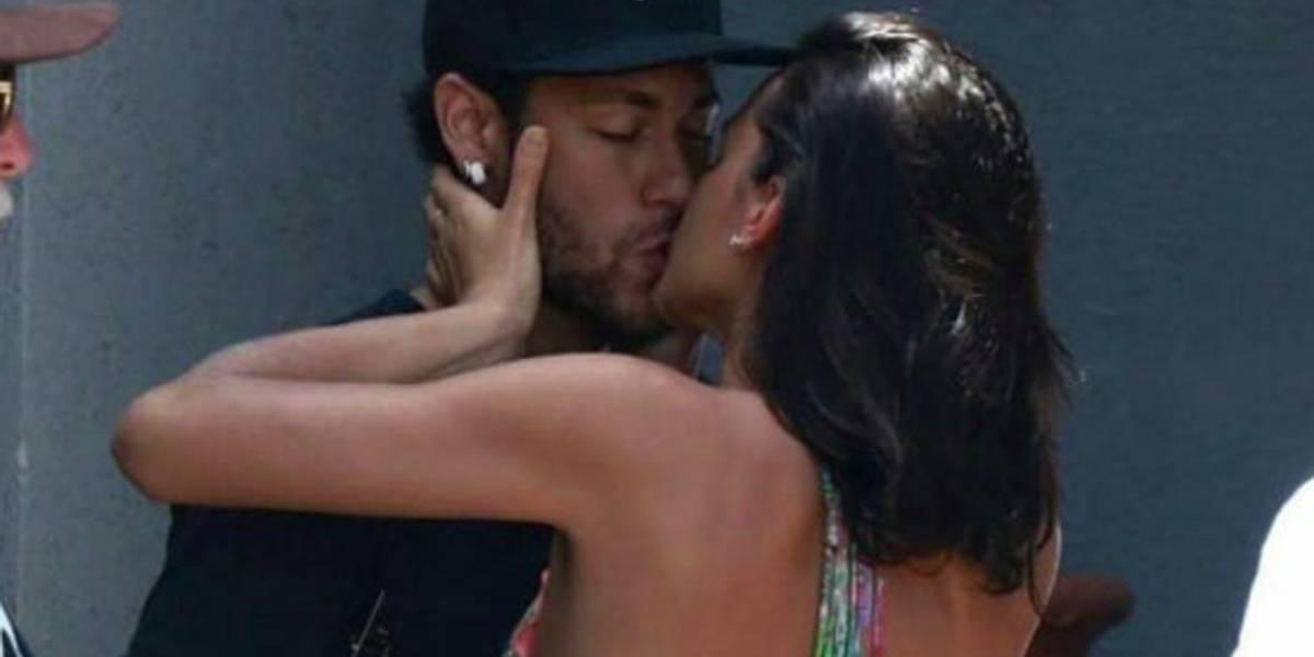 Fãs unem fotos para provar que Neymar e Marquezine estavam juntos no Natal