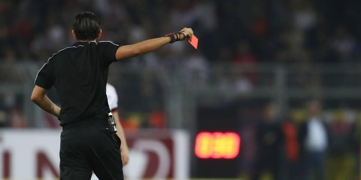 Jugador mató a árbitro por expulsarlo de un partido