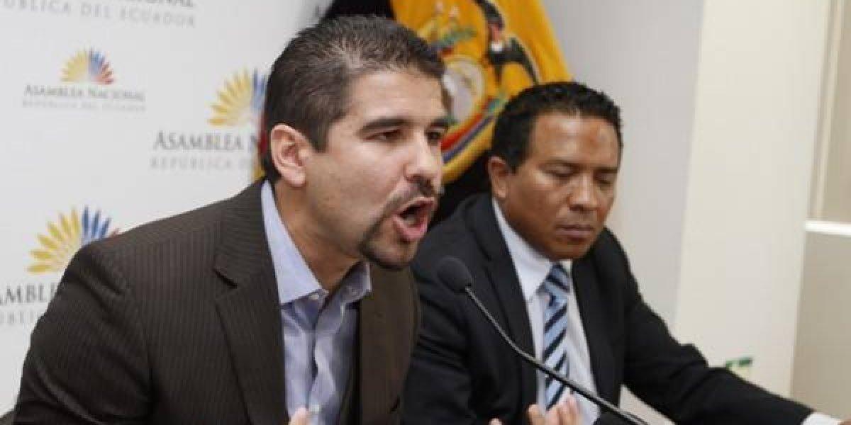 Dalo Bucaram presentó acción judicial contra la GolTV y FEF