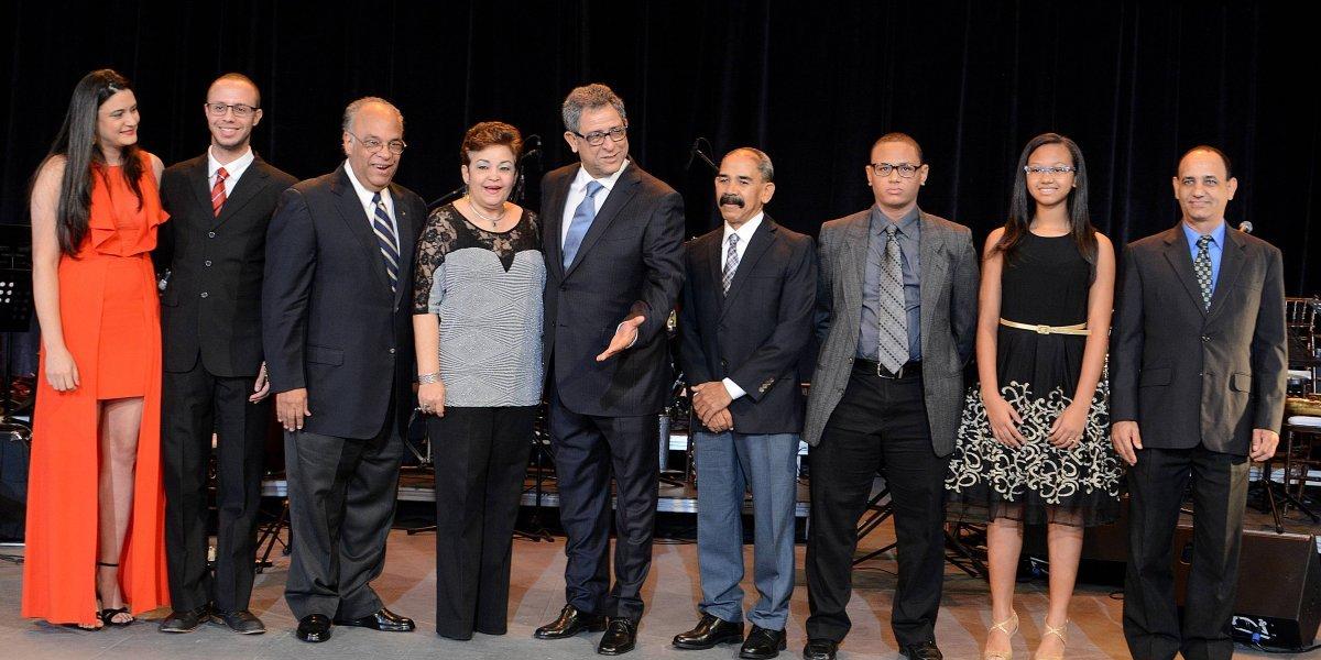 Presentan antología de Luis Kalaff y Luis Rivera