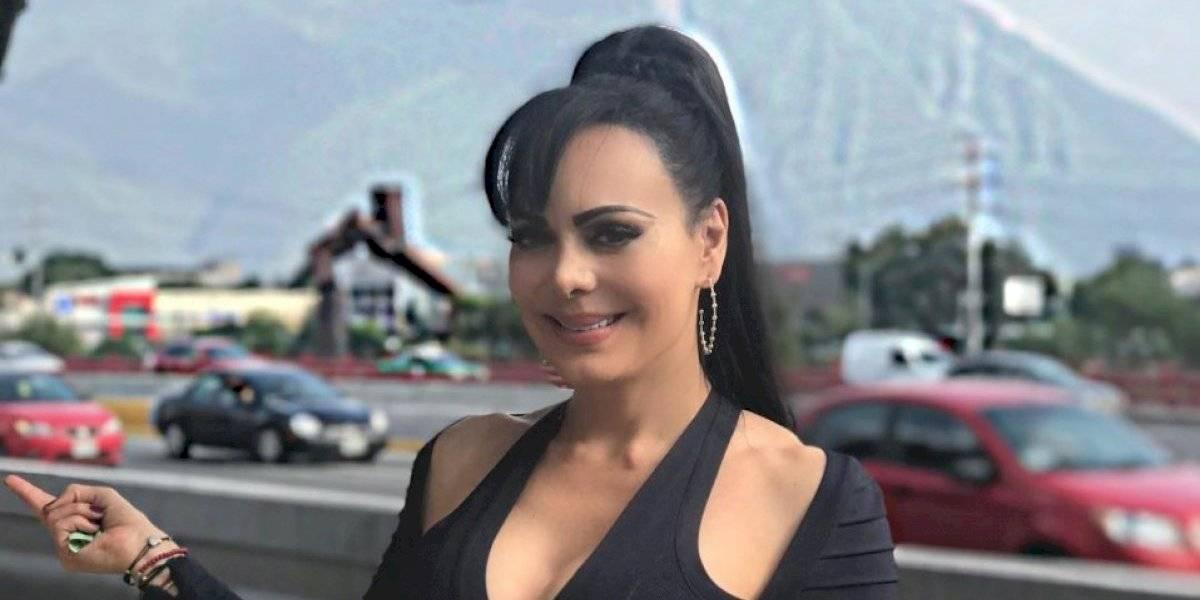 Maribel Guardia muestra de más con vestido transparente