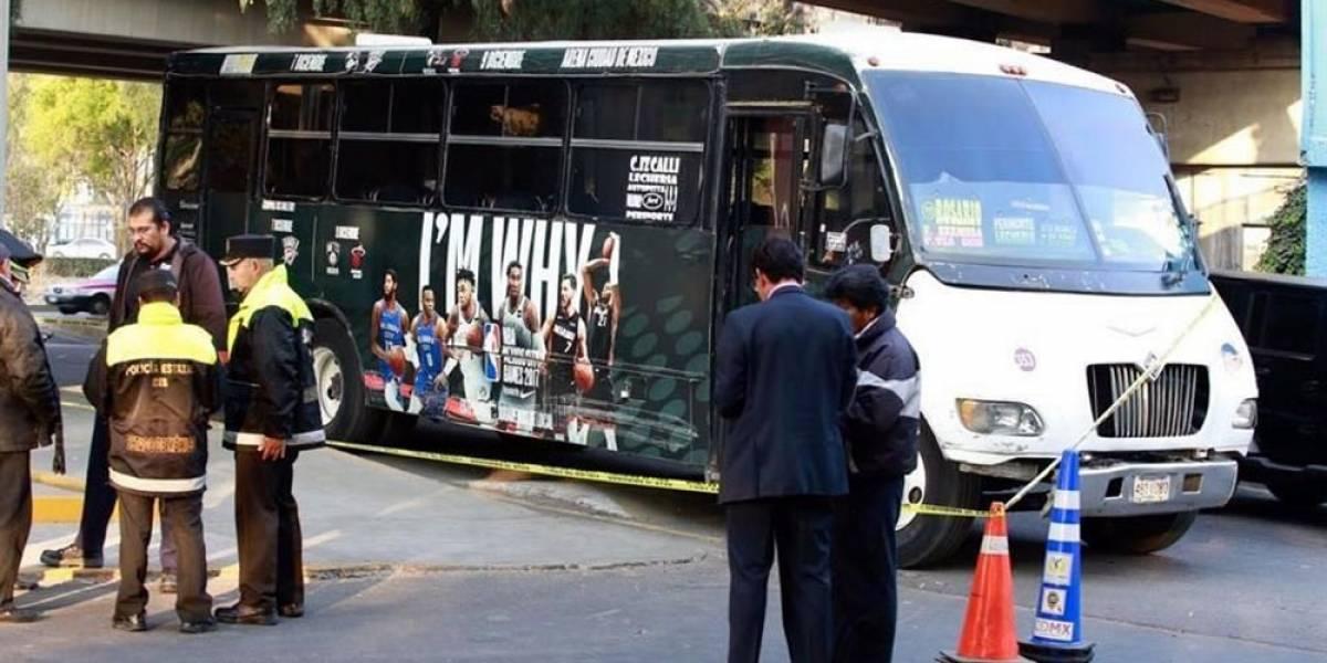 Matan a pasajera de microbús en Edomex por resistirse a asalto