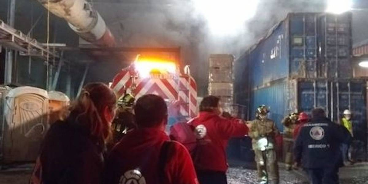 Incendio en obra del Tren Interurbano deja 22 personas intoxicadas