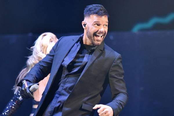 Ricky Martin alborota las redes con una foto desnudo