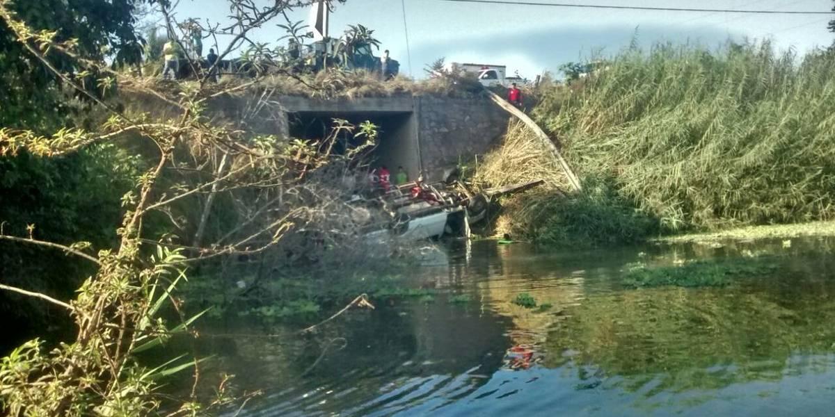 Nueve jornaleros fallecieron en volcadura de camioneta