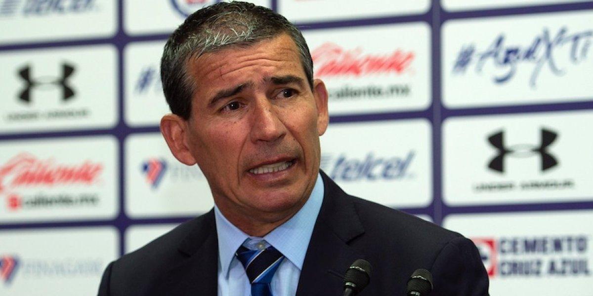 A punto de definirse el fichaje de 'Gullit' Peña con Cruz Azul