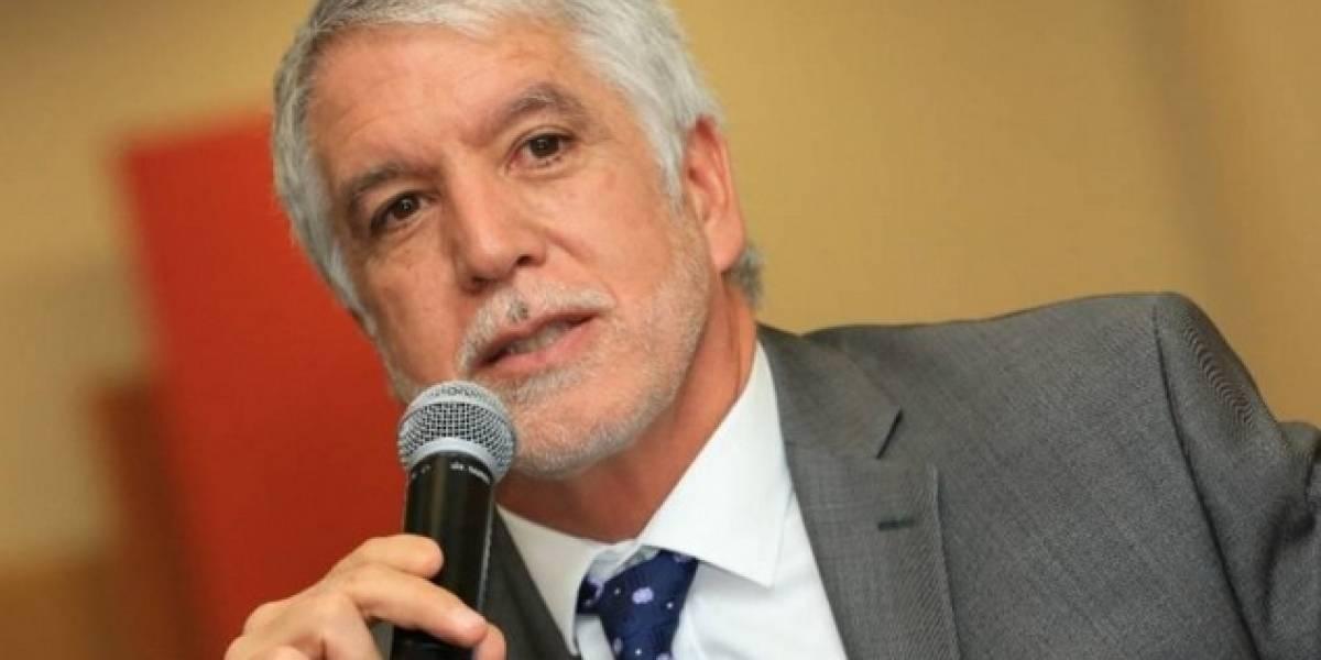 Se dilata la revocatoria del alcalde de Bogotá