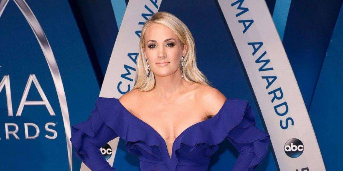 Publican foto de Carrie Underwood tras recibir 40 puntos de sutura en su cara