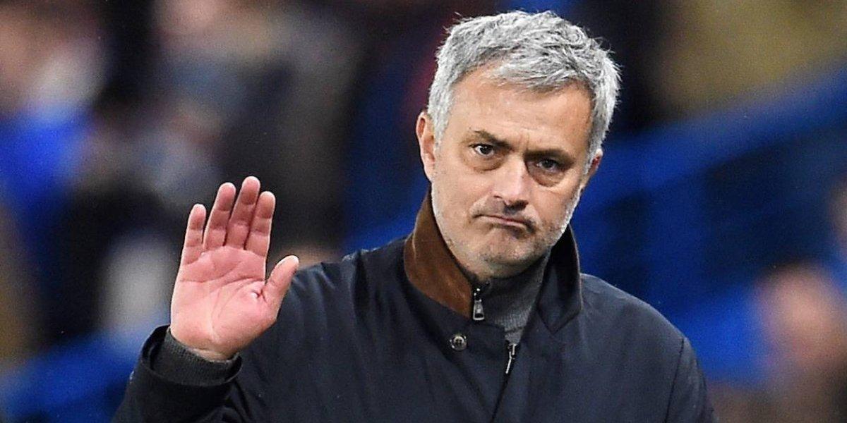 Mourinho niega que piense dejar el United a final de temporada