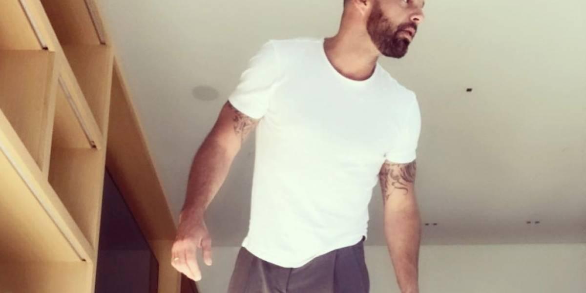 Ricky Martin comparte foto como Dios lo trajo al mundo