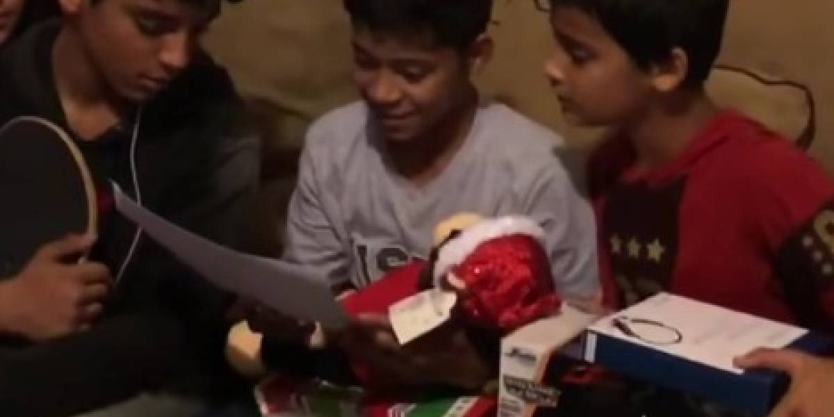 Pai emociona filho ao dar macaco de pelúcia com voz da mãe que morreu