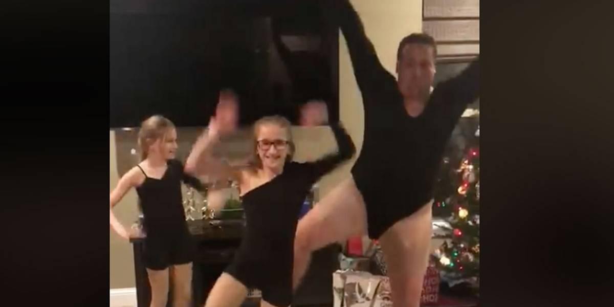 Pai veste collant preto e dança 'Single Ladies' com as filhas nos EUA