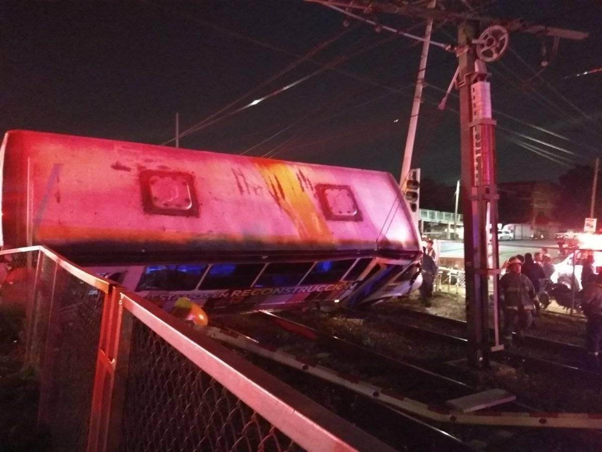 El conductor del camión escapó después de ocurrida la colisión. FOTO: Cortesía
