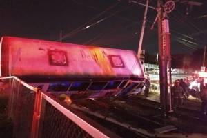Tren Ligero impactó unidad de transporte público que trató de ganarle el paso