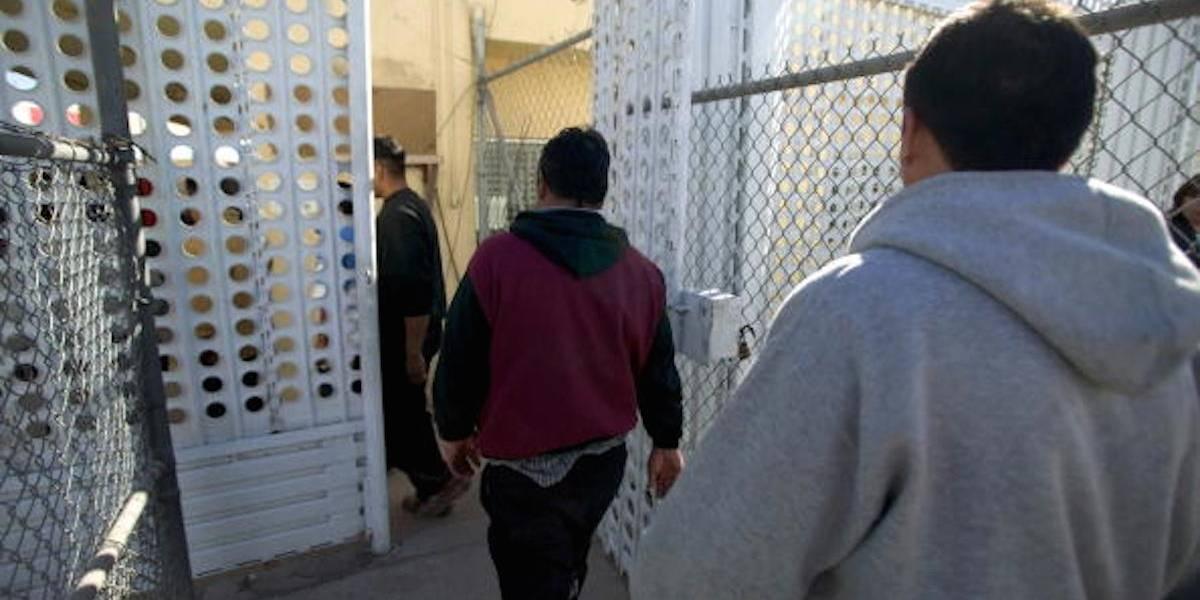 Estados Unidos deporta a 'La Barbie', ex mando policial de Nogales, Sonora