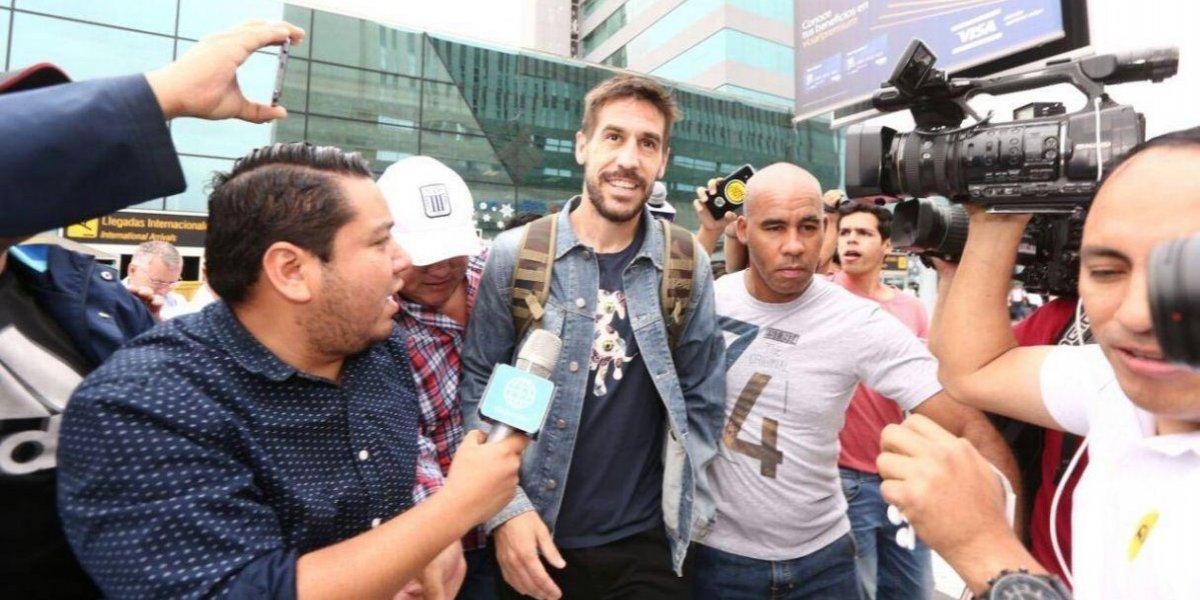La llegada a lo rockstar de Tomás Costa al fútbol peruano