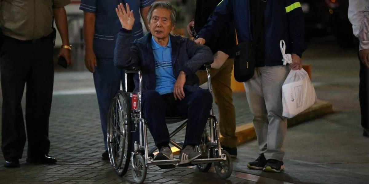 Fujimori sale de clínica y es libre tras 12 años