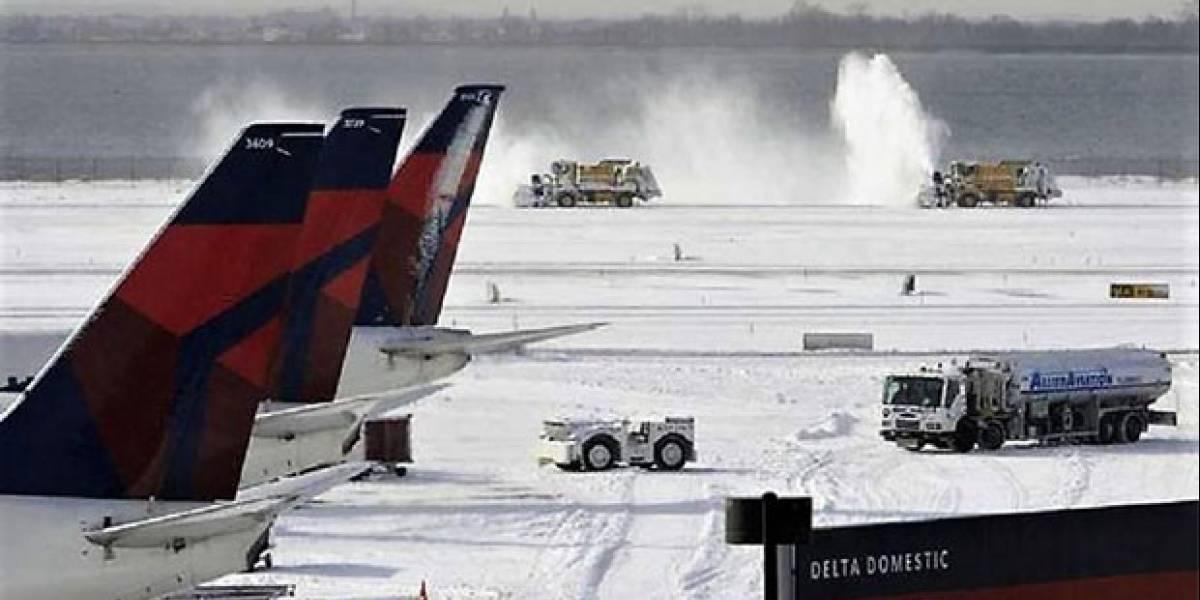 Compañías aéreas no cobrarán por reprogramar vuelos a NY