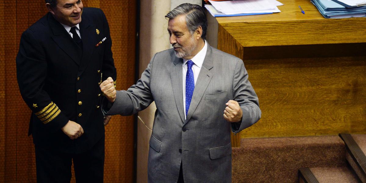 """Guillier promete """"firmeza"""" en fiscalizar probidad del futuro gobierno de Piñera"""
