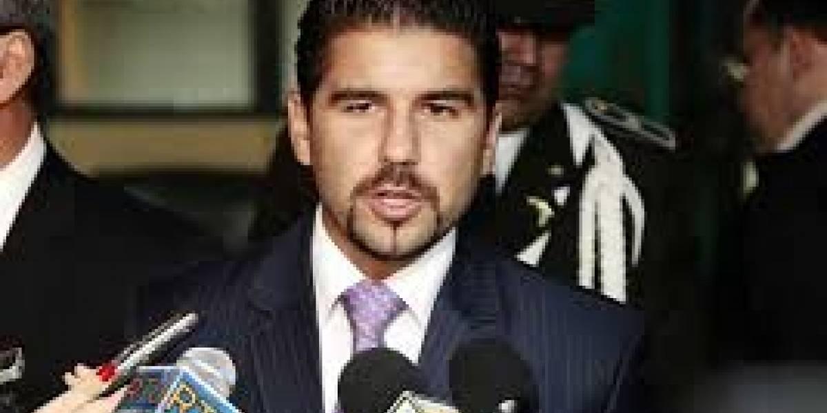 Dalo Bucaram dice que Marcela Aguiñaga votó favor de los violadores de niños