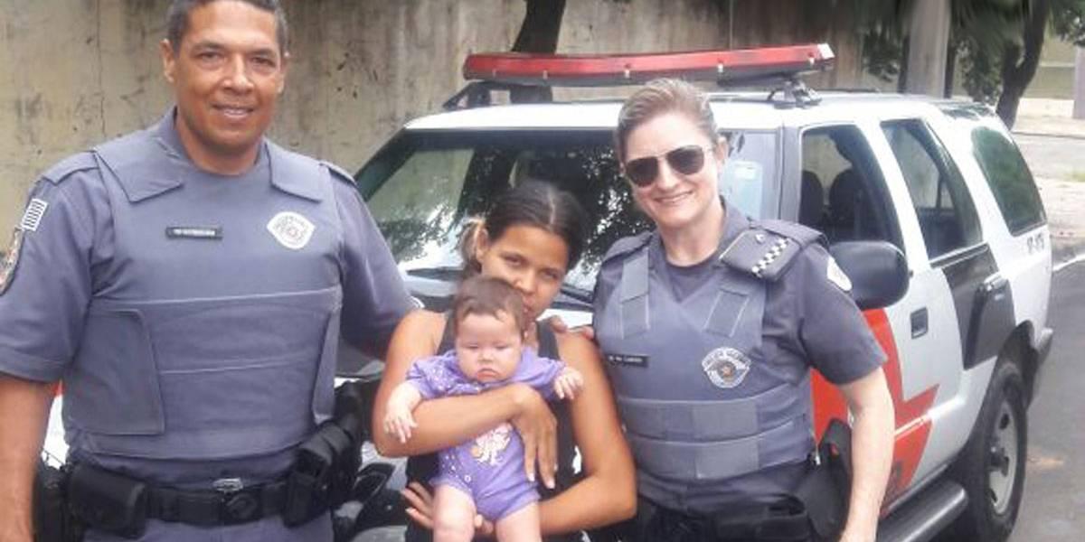Policial aplica manobra médica e salva bebê que parou de respirar