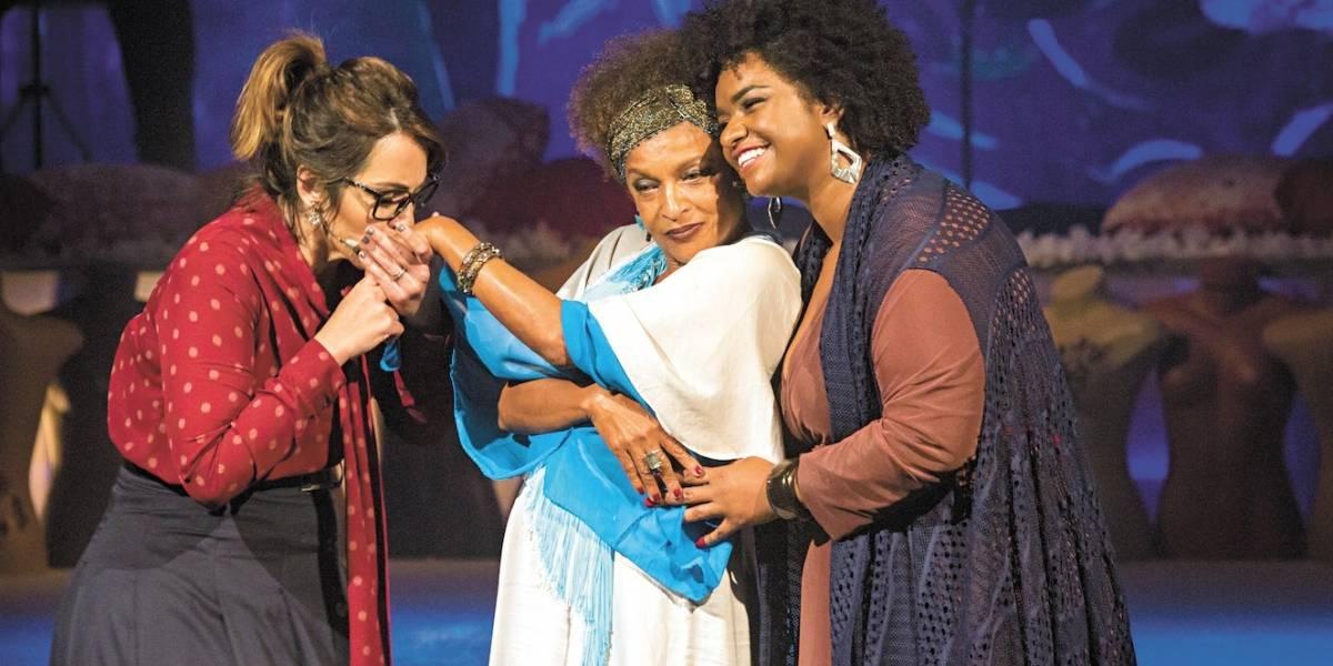 L, o Musical traz Ellen Oléria e Elisa Lucinda cantando e narrando romances lésbicos