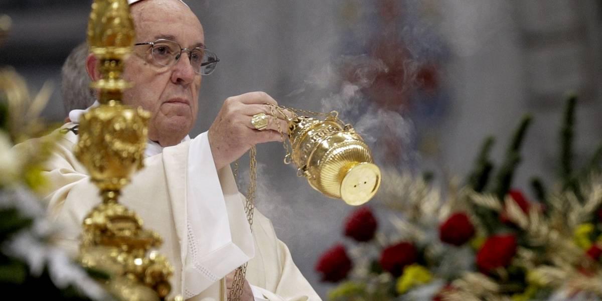 Papa Francisco aconseja dejar a un lado la tentación por el dinero