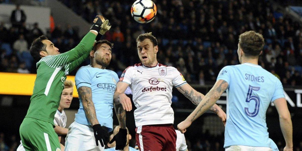 Claudio Bravo fue titular en la contundente victoria del Manchester City en la FA Cup