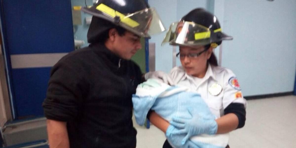 Abandonan a bebé recién nacido en Mixco y sobrevive al frío de la calle