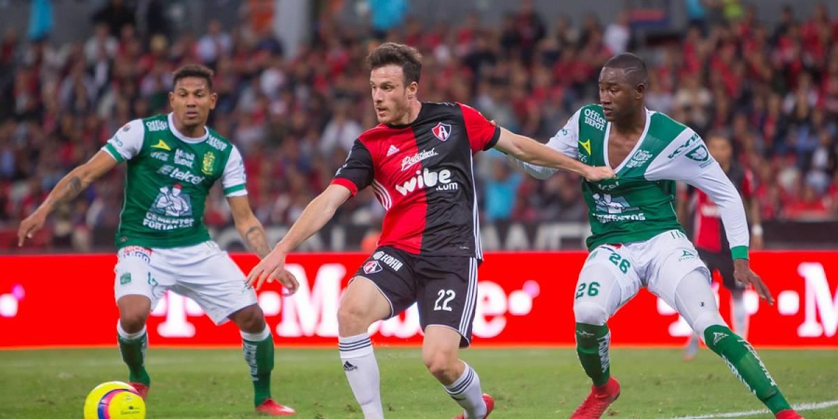 Henríquez y Toselli tuvieron un debut para el olvido con Atlas en el inicio de la Liga MX