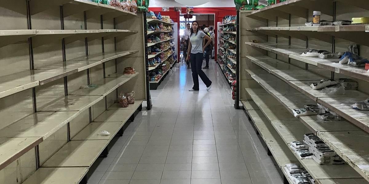 Supermercados da Venezuela são cercados após governo obrigar corte de preços