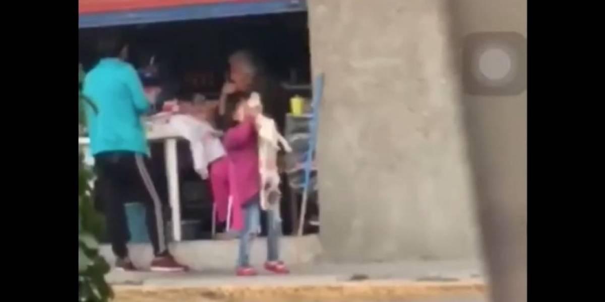 Rescatan a cachorro maltratado por una niña en México