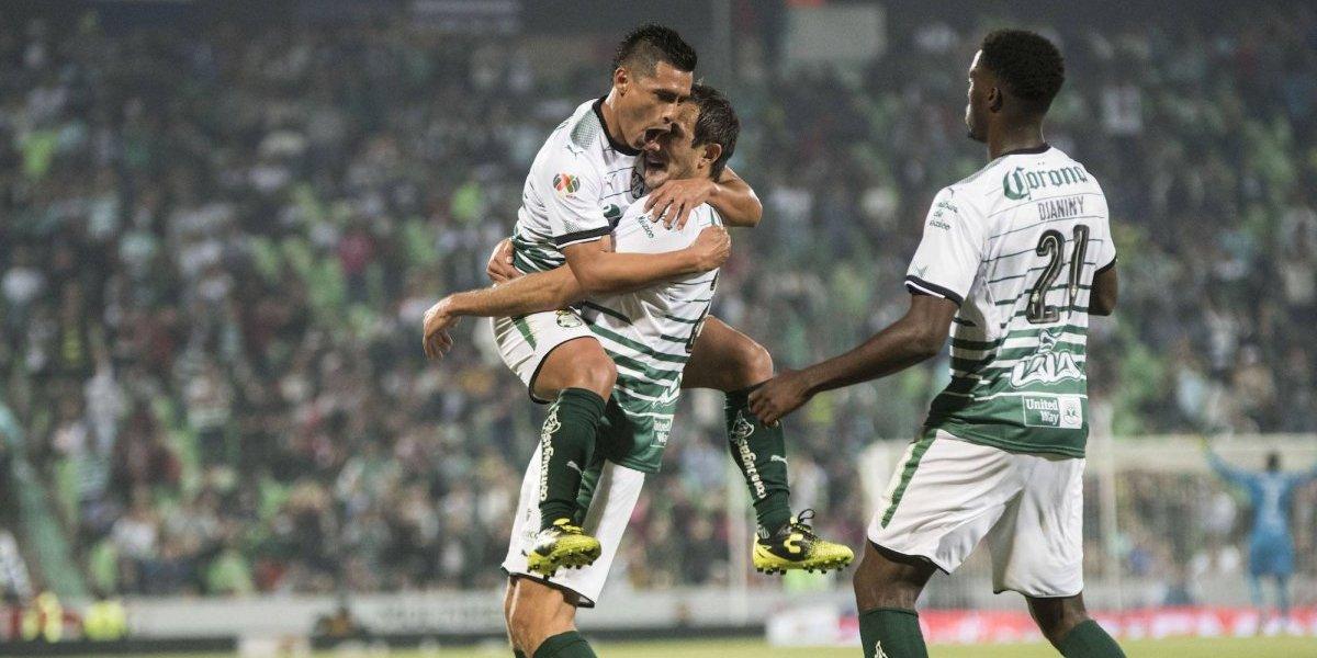 Con 'hat trick' de Tavares, Santos derrota a Lobos BUAP