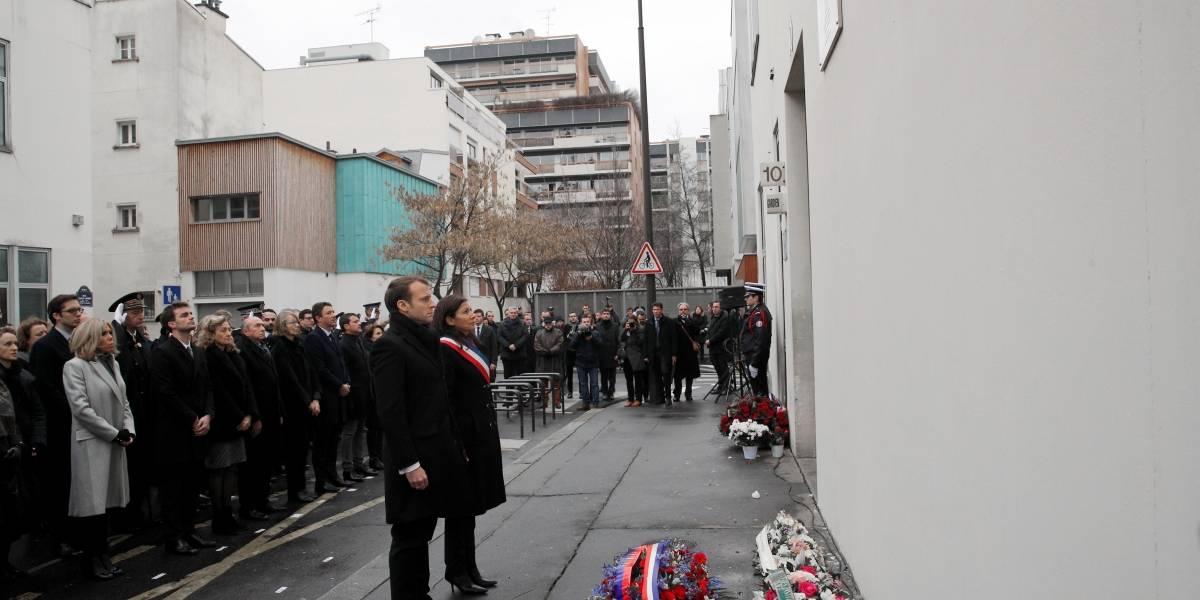 França relembra 3 anos do atentado contra a revista satírica Charlie Hebdo