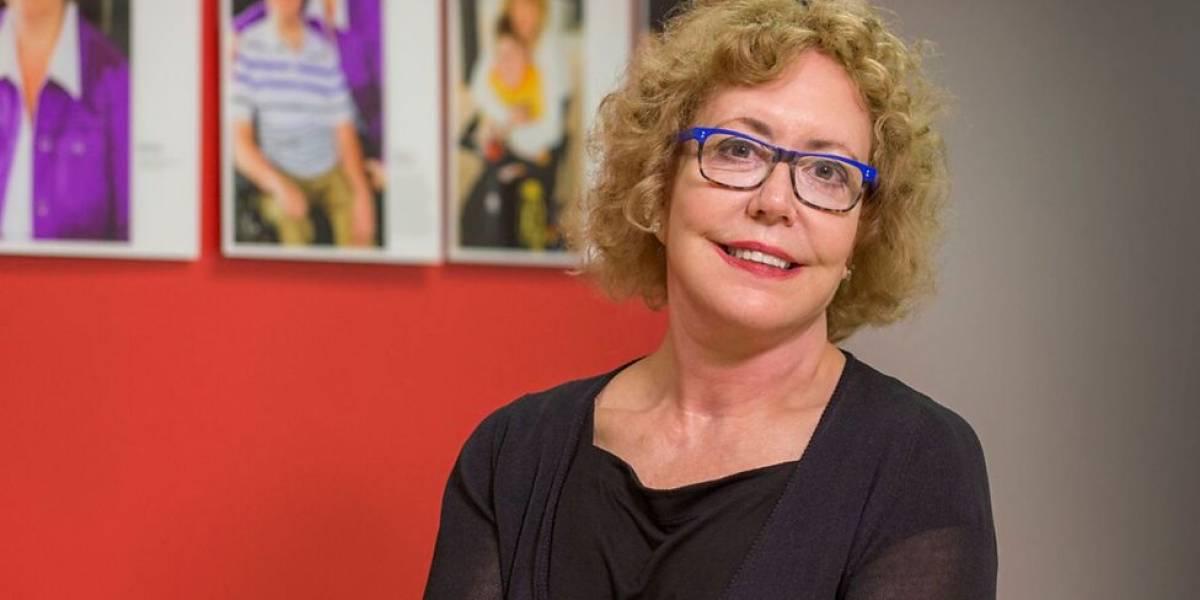 A mulher que se passou por cientista para entender a doença fatal e sem cura dos filhos