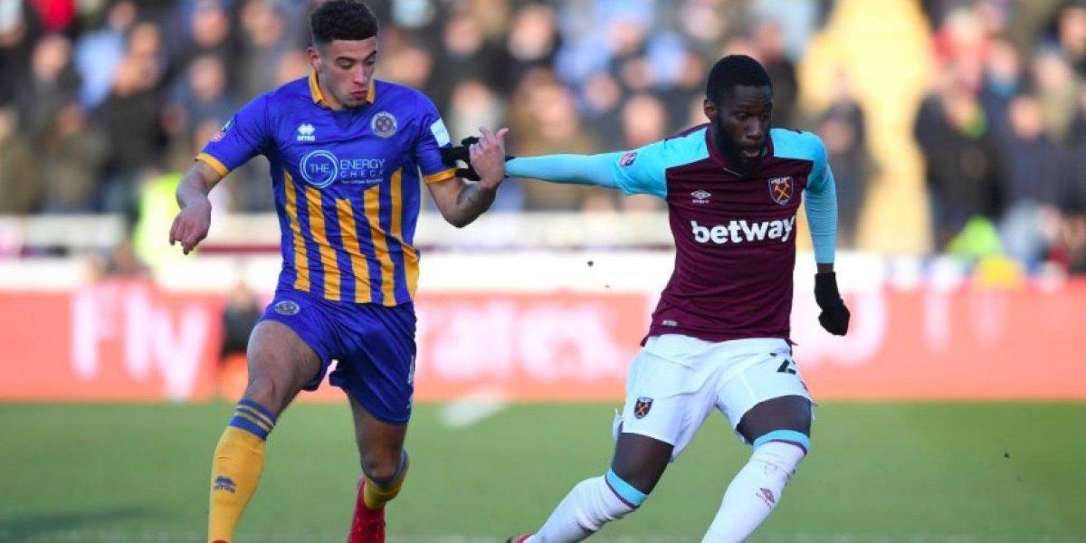 Con 'Chicharito' de titular, el West Ham sufre empate por ceros